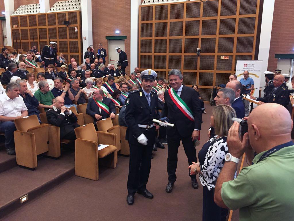 La premiazione dell'assistente Giuseppe Ramella Pezza