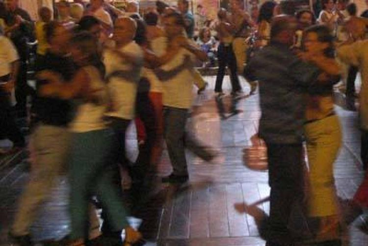 Liscio in piazza a Biella