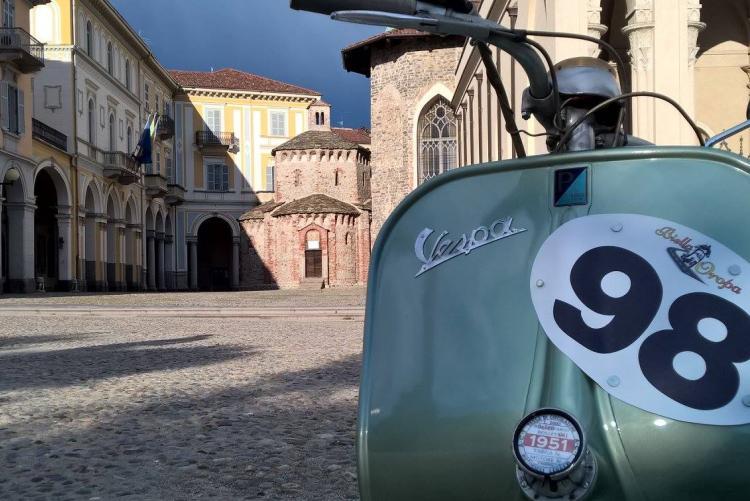 Vespe e non solo al raduno Motori Biellesi (Foto Facebook/Vespa Club Biella)