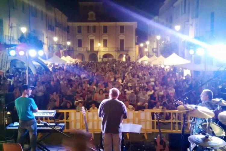 Piazza Cisterna dal punto di vista dei Farinei dla Brigna a Bolle di Malto 2015
