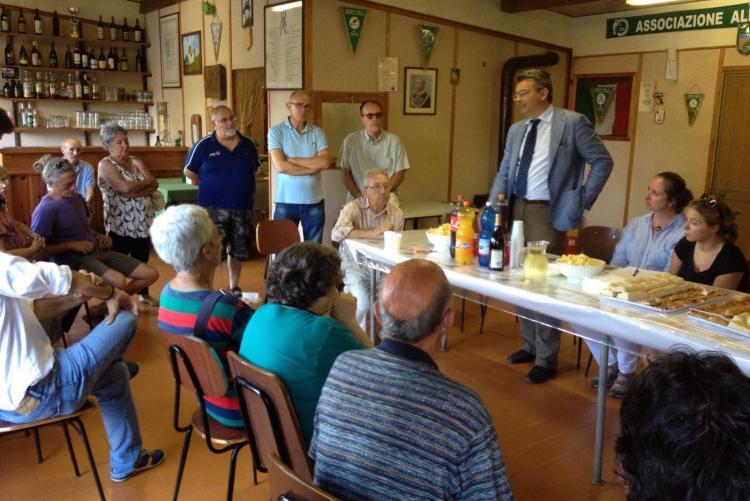 Amministratori e cittadini all'incontro del Favaro