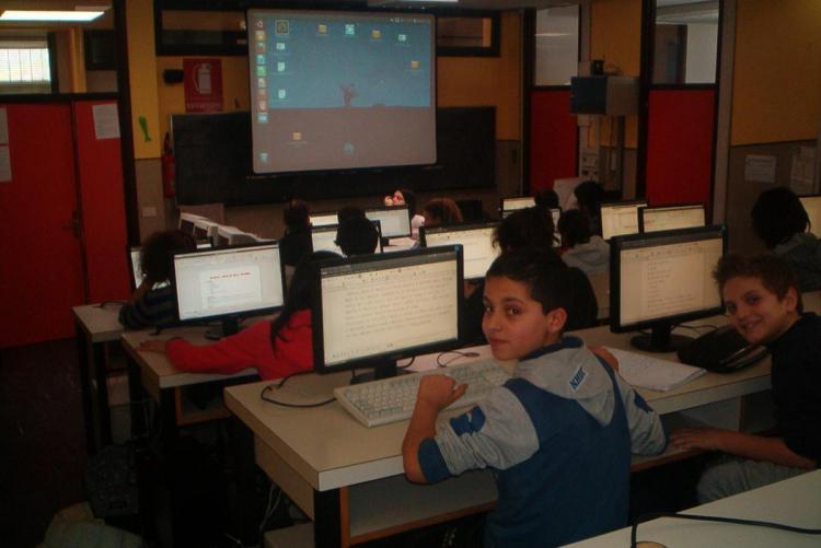 L'aula di informatica della scuola media Marconi (Foto: www.istitutocomprensivobiellatre.gov.it)