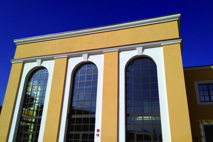 La biblioteca di piazza Curiel