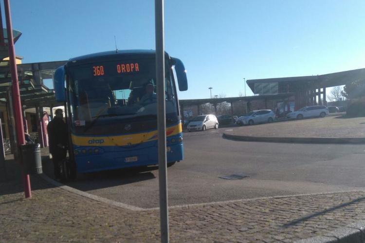Il capolinea del bus per Oropa a Biella San Paolo