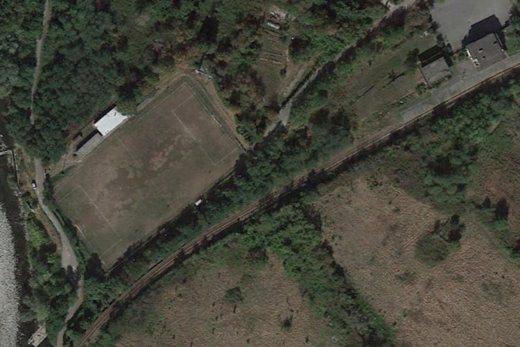 Il campo sportivo di Chiavazza visto dal satellite (foto Google Earth)