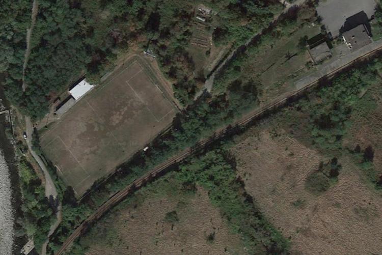 Il campo sportivo di Chiavazza visto dal satellite (foto Google Earth)