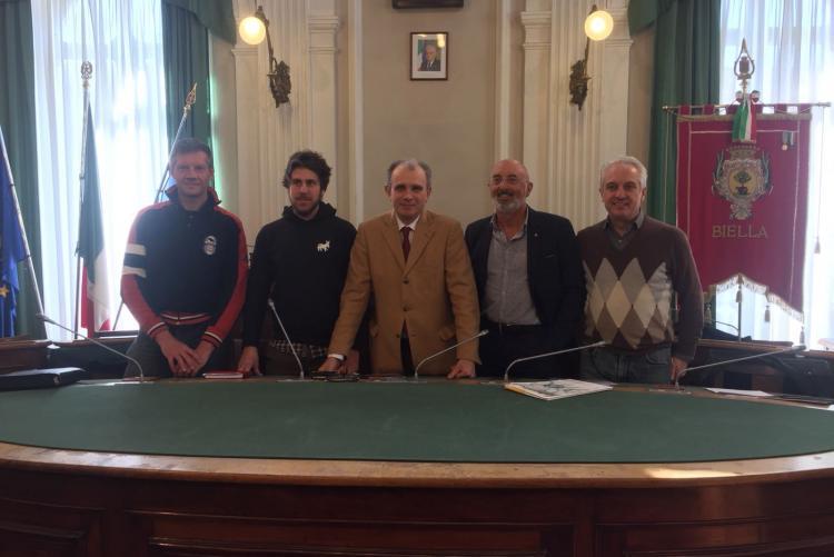 Da sinistra Enrico Cavallini, Nicola Barchietto, l'assessore allo sport Sergio Leone, Enrico Peretti e Filippo Borrione