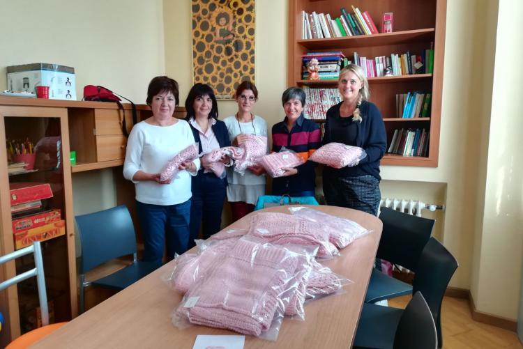 La consegna delle coperte alla casa di accoglienza