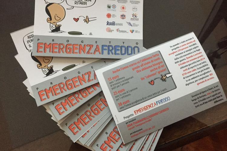 Le cartoline per la raccolta fondi a favore di Emergenza Freddo