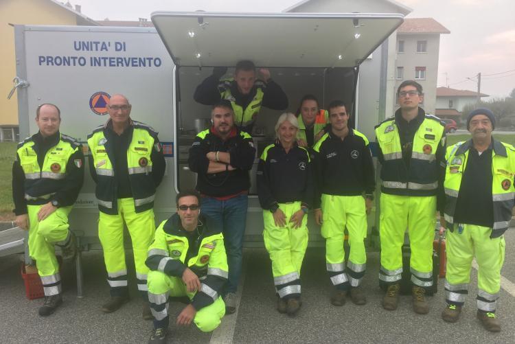 I volontari del gruppo di Biella della Protezione Civile che hanno preso parte all'esercitazione
