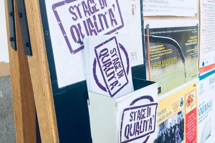 I volantini degli stage di qualità a Informagiovani