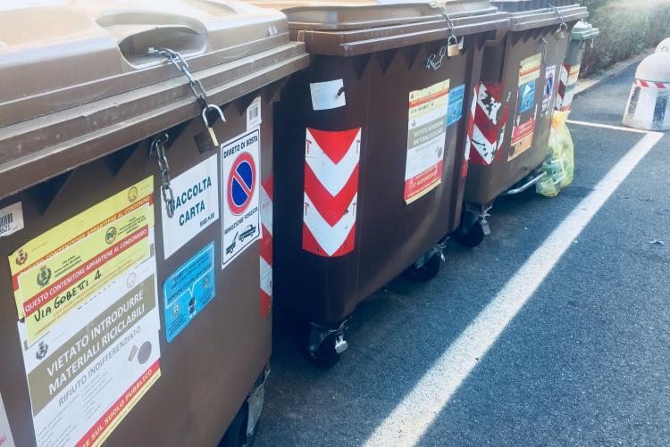 Contenitori condominiali per i rifiuti a Biella