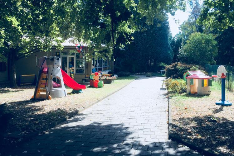 La scuola dell'infanzia di via Don Sturzo, una delle tre per cui è stata chiesta la deroga