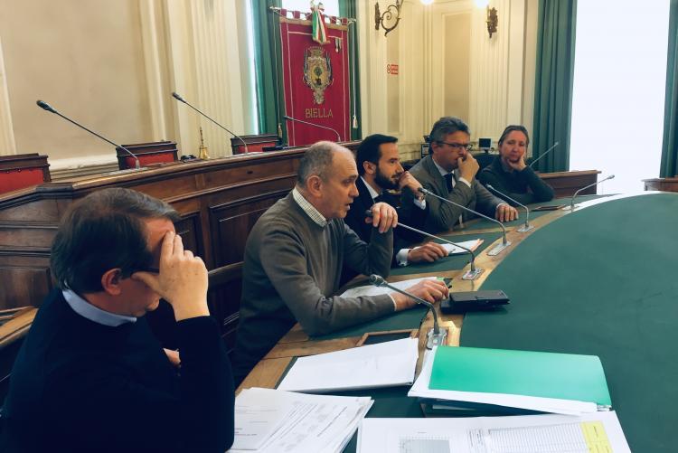 Da sinistra Diego Presa, Sergio Leone, Matthieu Bonvoisin, Marco Cavicchioli e Valeria Varnero alla conferenza stampa sul teleriscaldamento