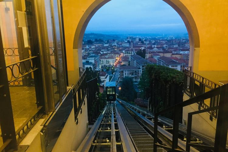 La funicolare vista dal Piazzo