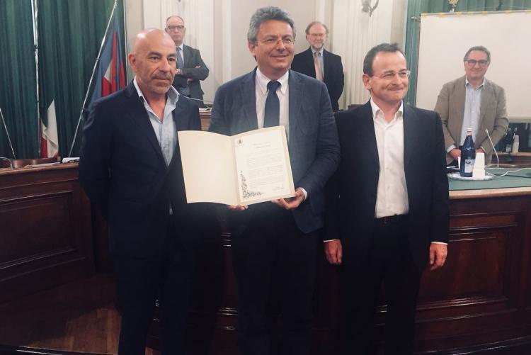 Da sinistra Massimo Zucca, il sindaco Marco Cavicchioli e Luca Rossetto