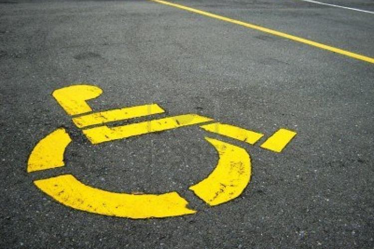 Un posto auto riservato ai disabili
