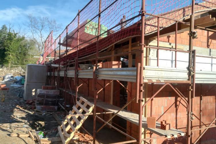 Spogliatoi in costruzione al campo sportivo di Chiavazza