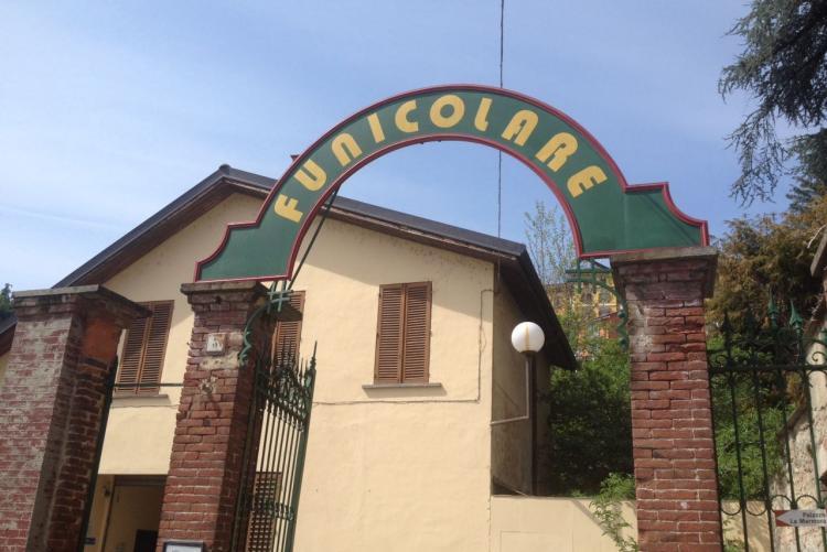 L'ingresso della stazione di valle della Funicolare