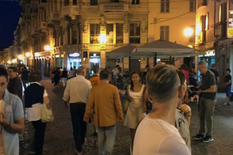Il primo venerdì di Shopping sotto le stelle (Foto: Facebook/Ascom Biella)