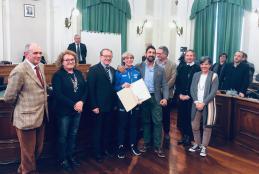 Giulia Lamagna con l'allenatore Roberto Scaglione e la giunta