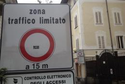 Un accesso della zona a traffico limitato