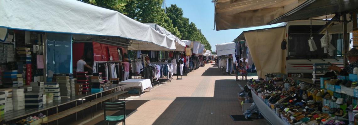 Il mercato di piazza Falcone