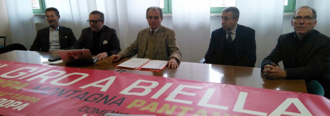 Da sinistra Luca Zani, Luciano Rossi, Sergio Leone, Luigi Apicella e Gianni Zola del comitato di tappa della Castellania-Oropa