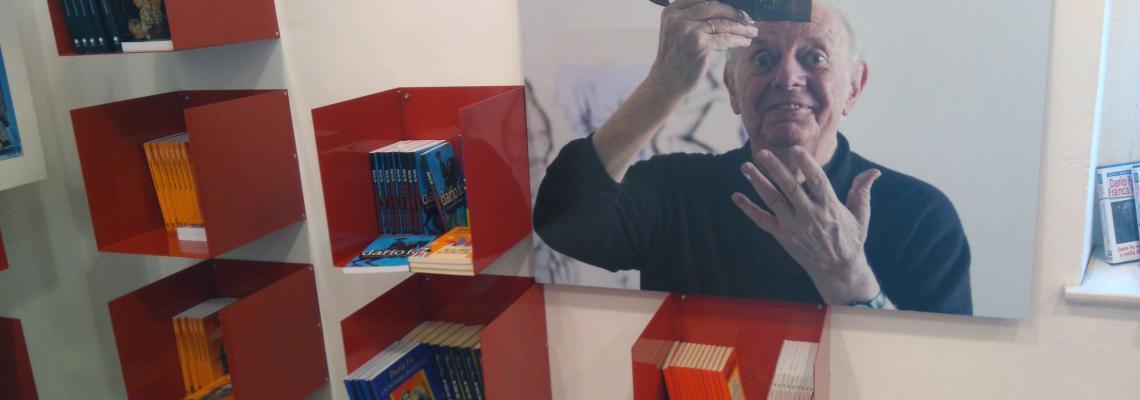 La fotografia di Dario Fo pittore nel bookshop della mostra