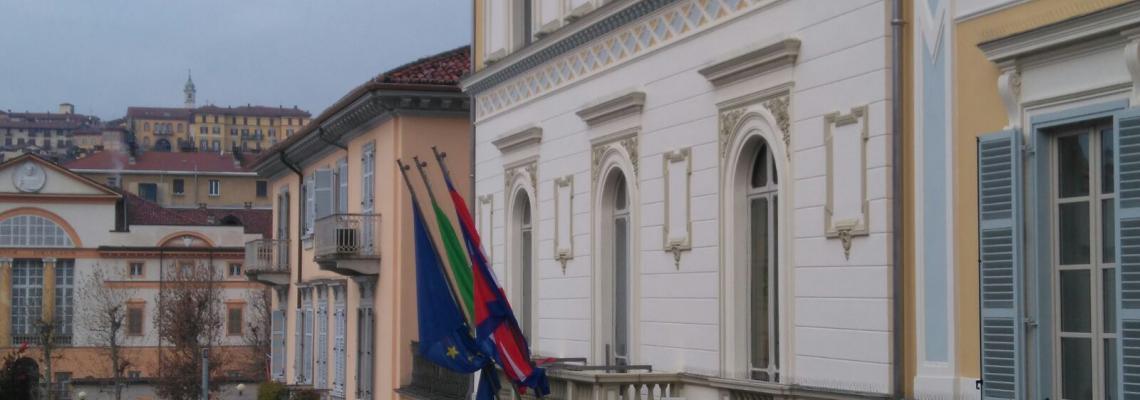 La facciata di Palazzo Oropa, sede del Comune