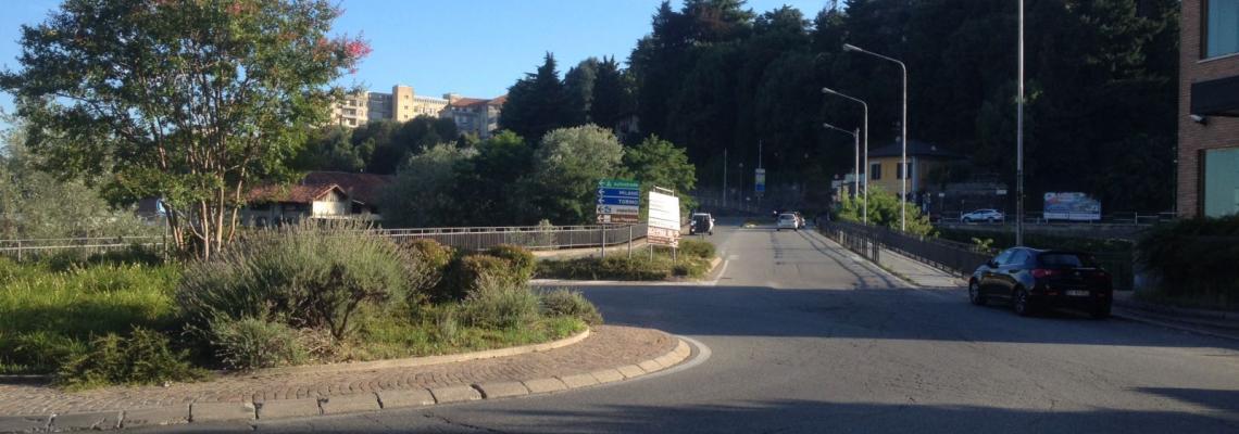 Il ponte di Chiavazza e la rotonda tra via Milano e via Sella