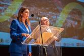 L'assessore Barbara Greggio e il sindaco Claudio Corradino
