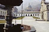 Vista del piazziale della chiesa vecchia del Santuario